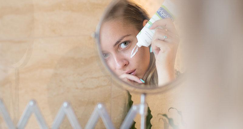 Creme gegen Schwitzen im Gesicht