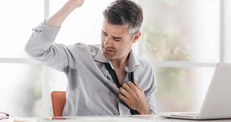 Schweißgeruch trotz duschen? » Tipps & Wissenswertes